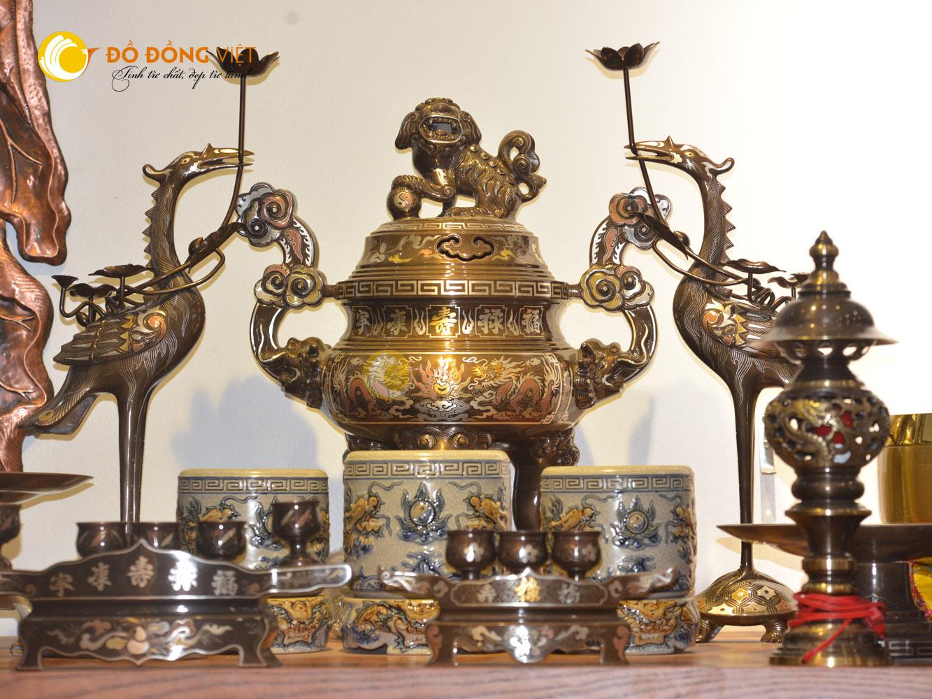 Nén hương tâm thành trong văn hóa thờ cúng của người Việt